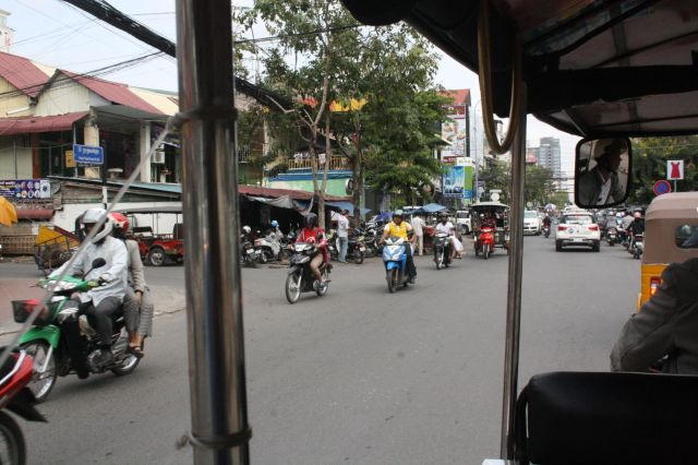 01Phnom Penh Traffic1